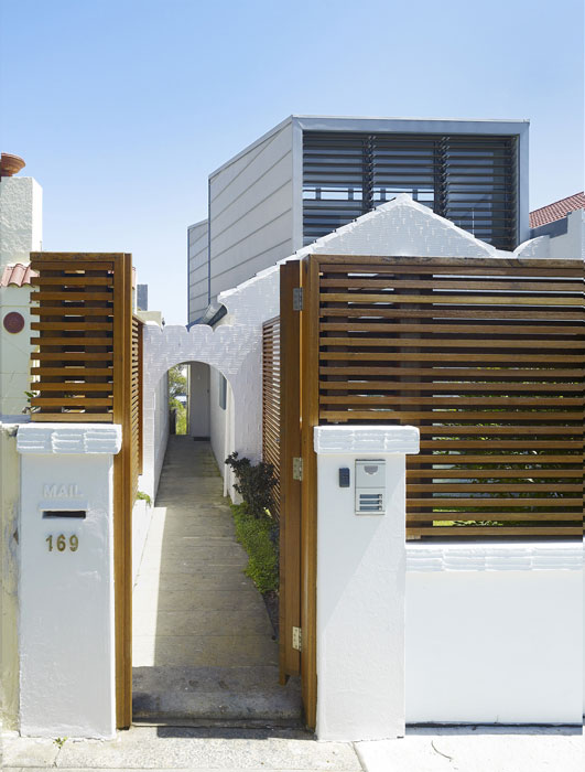 Hastings parade house tonkin zulaikha greer architects - Contemporary gate designs for homes ...
